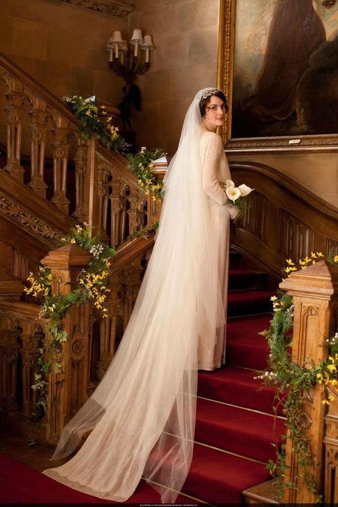 mary matthew wedding downton abbey stairs